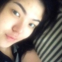 Goodmorning #wakeup #males #mwahhh #selfie #inbed, tulis Tina di caption foto. (Instagram/Tina Toon)