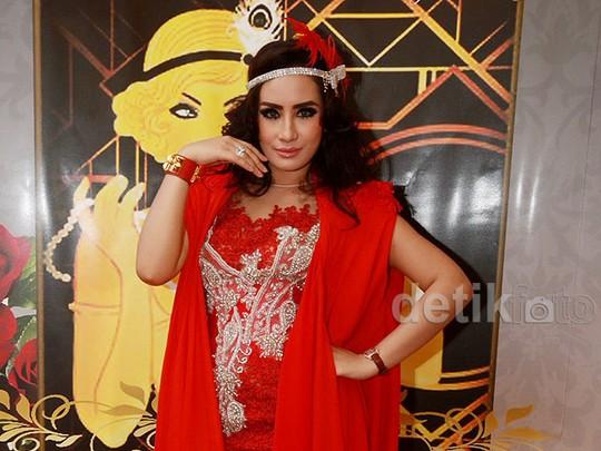 Ultah ke-29, Shinta Bachir Tampil Glamor ala Great Gatsby