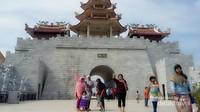 Lokasi favorit pengunjung berfoto karena serasa di Tiongkok