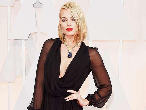 Ini Kalung Rp 19 Miliar Margot Robbie