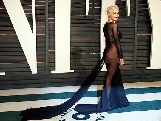 Ada yang Lebih Seksi dari Penampilan Rita Ora ini?