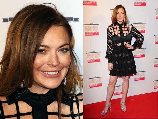 Kenakan Blus Jaring, Lindsay Lohan Pamer Bra