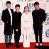 Bertabur Bintang di Red Carpet BRIT Awards 2015 (1)