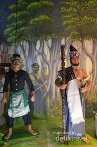 Patung Sisingamanngaraja di dlam museum