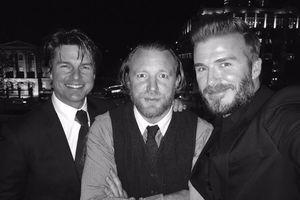 Panjat Landmark Wisata London, David Beckham Selfie Bareng Tom Cruise