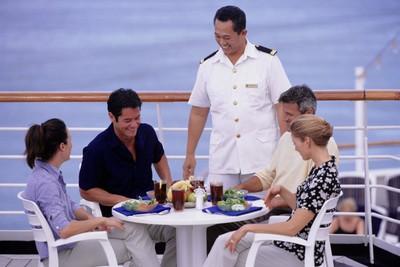 Kerja di Cruise, Keliling Dunia Gratis Tapi Harus Kuat Mental