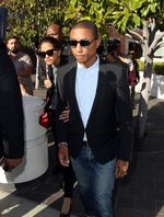 Pharrell Williams Tetap Stylish di Persidangan