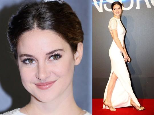 Shailene Woodley Cantik dan Seksi di Premiere 'Insurgent'