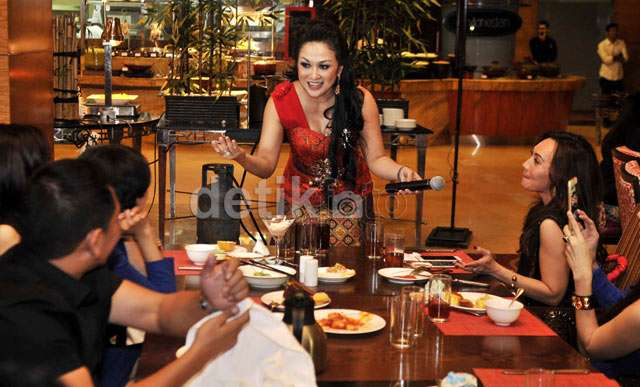 Sisca Dewi Rayakan HUT ke-36 di Ritz Carlton Kuningan