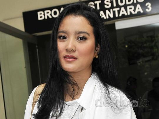 Marcella Zalianty Tunda Tambah Momongan