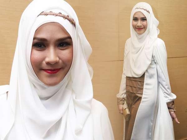 Gaya Hijab Zaskia Mecca, Simple tapi Tetap Stylish