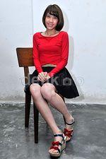 Gigi 'Cherrybelle' Manis dengan Rok Mini