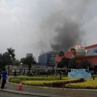 Kebakaran di Margo City Depok, 10 Unit Damkar Diterjunkan