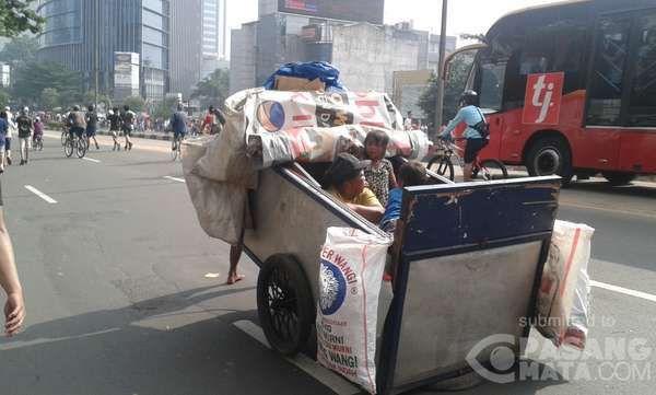 Suasana Car Free Day Di Bundaran Hi Yang Makin Semrawut Dan Tak Nyaman