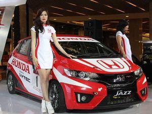 Ini Dia Mobil Balap Honda Jazz