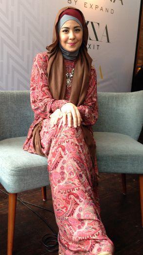 Risty Tagor Mantap untuk Pakai Jilbab Syari Agar Lebih Mudah Ibadah