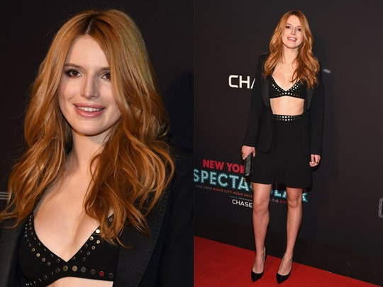 Makin Seksi... Bella Throne Pamer Bra di Red Carpet