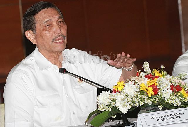 Lantik Deputi, Luhut Ingatkan Soal Fungsi dan Tugas Kantor Staf Kepresidenan