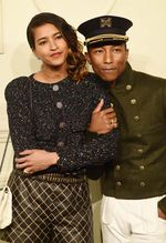 Pharrell Williams Bergaya ala Bellboy