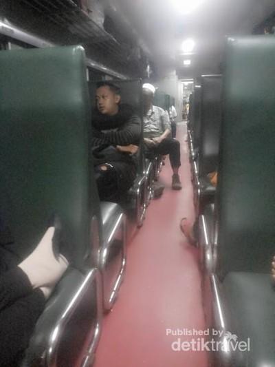 Wisata Hemat Keliling Jawa Naik Kereta