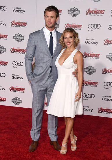 Pasangan Chris Hemsworth dan Elsa Pataky tampil menjadi sorotan saat berpose di red carpet. Jason Merritt/Getty Images/detikFoto.