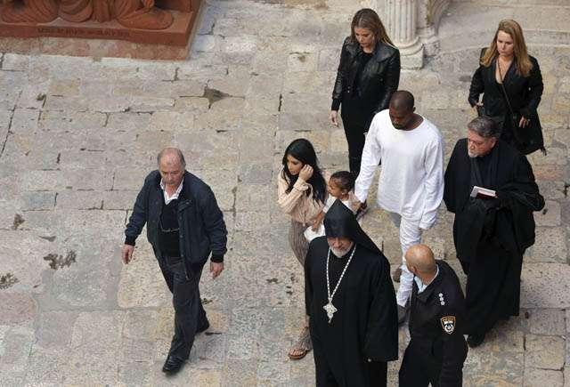 Kim Kardashian dan Kanye West Baptis Putrinya di Yerusalem
