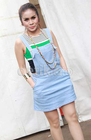 Gaya Momo 'Geisha' dengan Dress Mini