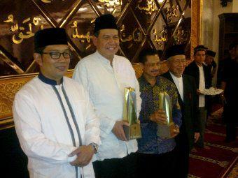 Dinilai Berkontribusi dalam Syiar Islam, Chairul Tanjung Raih MUI Award