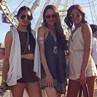 Cinta Laura Seksi Pamer Punggung di Coachella 2015