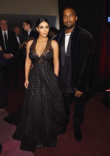 Dampingi Suami, Kim Kardashian Elegan dan Seksi di TIME 100 Gala