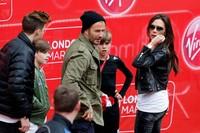 Tampil kompak, Beckham dan keluarganya jadi pusat perhatian. Steve Bardens/Getty Images/detikFoto.