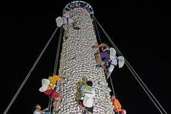 Festival Unik di Hong Kong, Ratusan Orang Berebut Bakpao