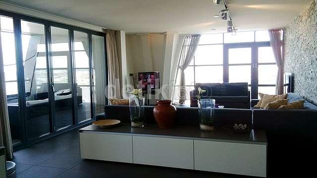 Apartemen Tepi Laut, Lokasi Syuting Film 'Negeri van Oranje' di Belanda