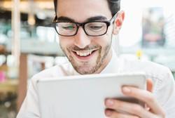 Beda dengan Lensa Kontak, Pakai Kacamata Bisa Awet Sampai Tahunan