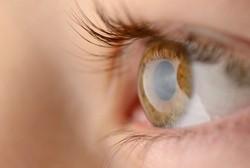 Kacamata Pinhole Bisa Obati Mata Minus dan Plus, Benarkah?