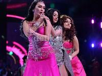 Goyangan Zaskia, Depe dan Siti Badriah yang panaskan panggung 'Dag Dig Dut' Trans TV.