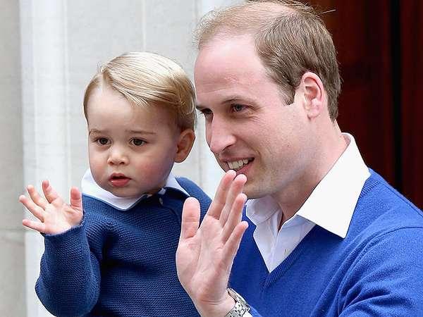 Cuteness Overload! Lambaian Tangan Pangeran George Sambut Sang Adik