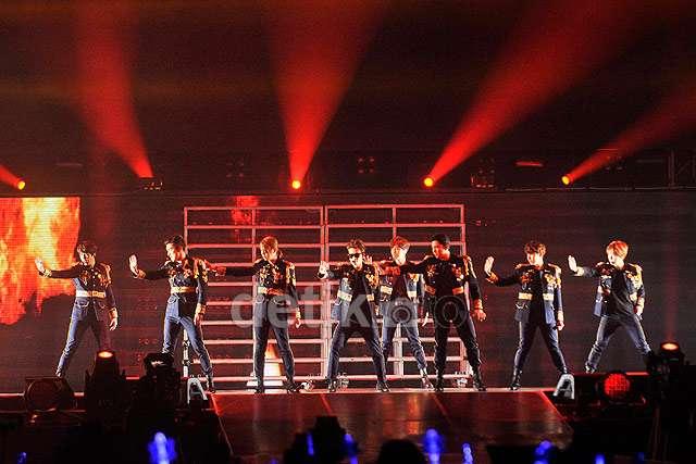 Super Junior Bikin ELF Histeris di Konser 'Super Show 6 Indonesia'
