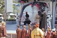 Kemudian, para Master Jedi memberikan pemahaman dan filosofi seorang Jedi kepada para padawan, dan langkah-langkah menggunakan lightsaber.