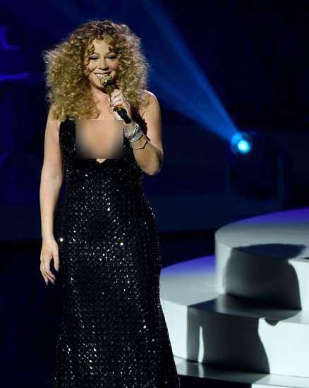 Mariah Carey Seksi Manggung di Las Vegas