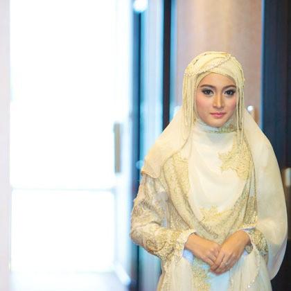 Gaya Hijab Yang Disarankan Saat Mengenakan Baju Pengantin Syar I