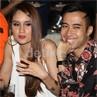 Gaya Cinta Laura dengan Rok Supermini di Acara Amal