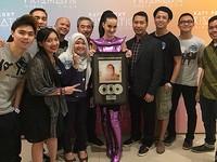 Katy Perry Dianugerahi Double Platinum oleh Perwakilan Label di Indonesia