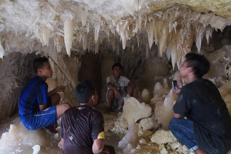 Gua Indah Menakjubkan Ditemukan di Tuban di Lokasi Galian