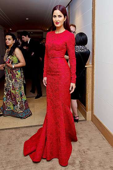 Katrina Kaif Merah Mempesona di Festival Film Cannes 2015