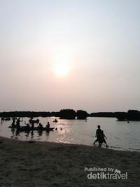 Aura magis sunset di Pulau Pari