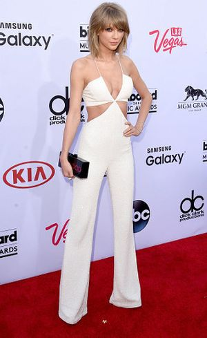 Foto: Kemesraan Taylor Swift dan Calvin Harris di Billboard Music Awards