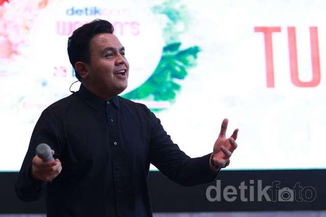 Nyanyi Bareng Tulus di detikcom Women's Day with BNI Syariah