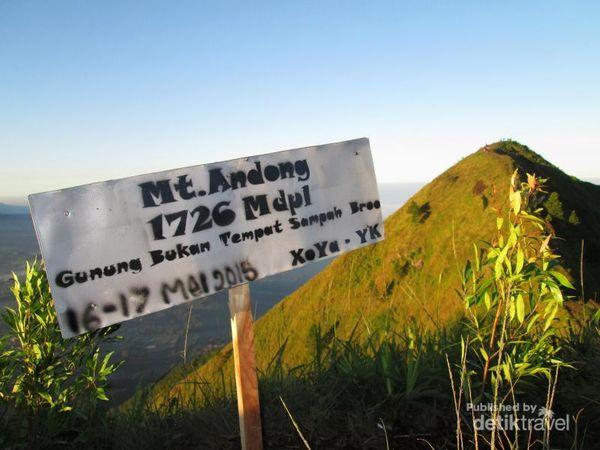 Gunung Andong Spot Keren Untuk Lihat Sunrise Di Magelang