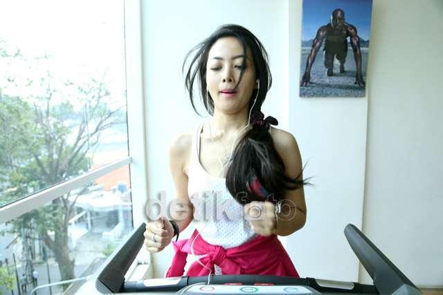 Mengintip Si Seksi Cinta Ratu Fitness